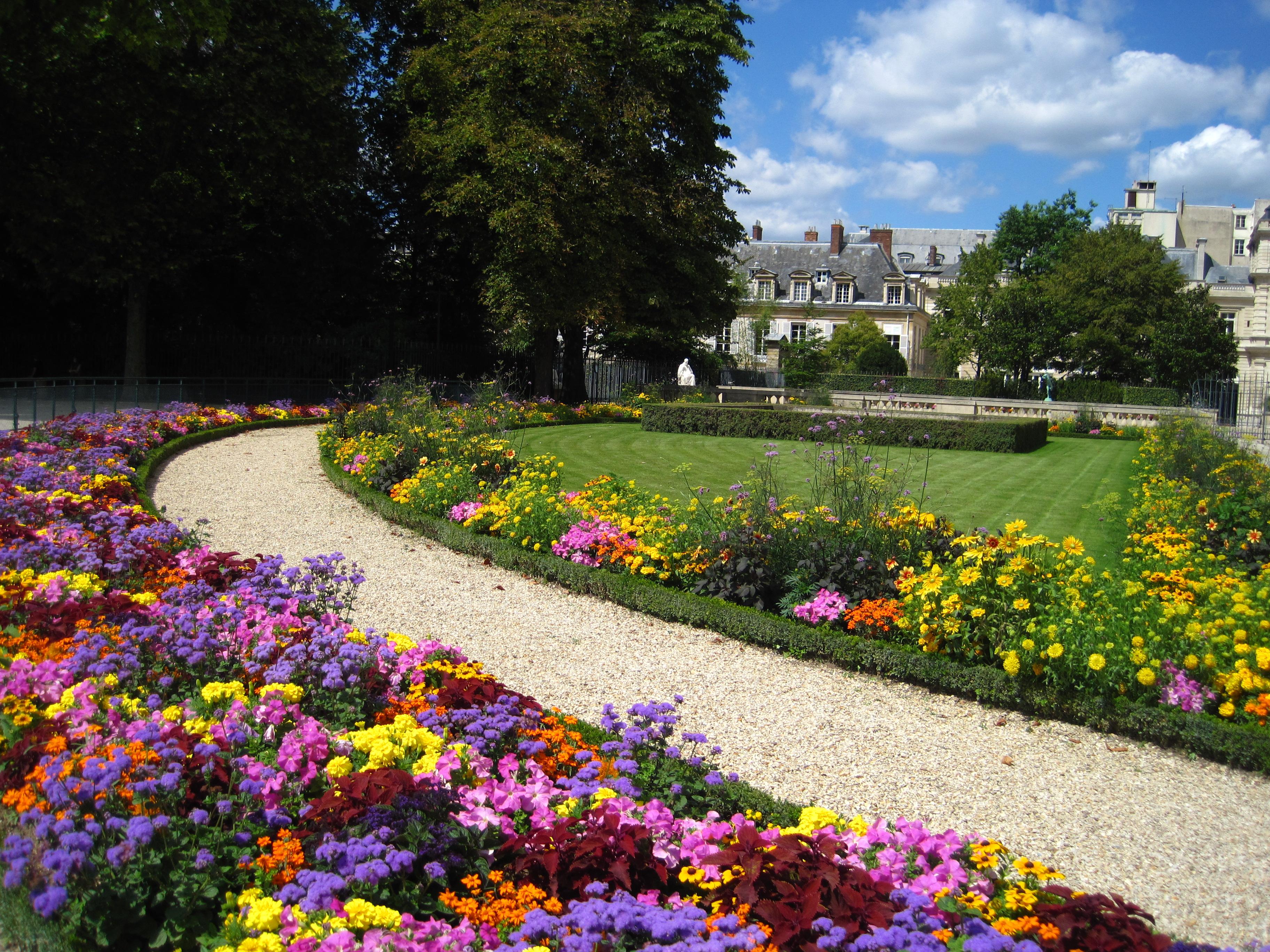 Le jardin du luxembourg de paris pour les enfants for Buvette des marionnettes du jardin du luxembourg